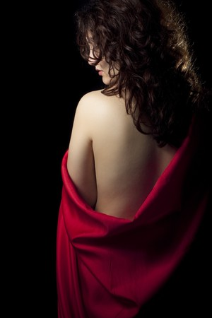 赤いサテンの裸の女の子 写真素材 - 6972559