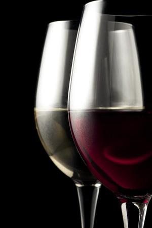 Rode en witte wijn glazen