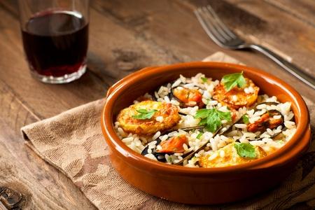 Rijst met Aardappelen en Mosselen, een traditioneel gerecht uit Apulië, Italië Stockfoto