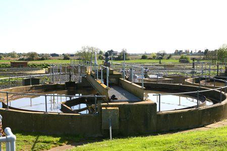 filtraci�n: Una vieja planta de tratamiento de aguas residuales en Inglaterra