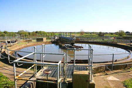 aguas residuales: Una vieja planta de tratamiento de aguas residuales en Inglaterra
