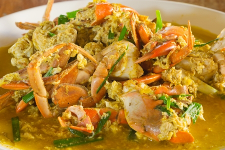 Fried crab with curry powder.