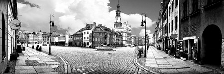 hause: Panorama of market place in the center of Poznań in Poland.