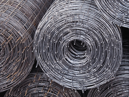 Rolls of iron mesh, Iron mesh to strengthen a construction when cement is poured.