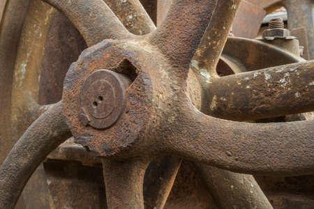 rusty wheel hub of a historic machine Standard-Bild