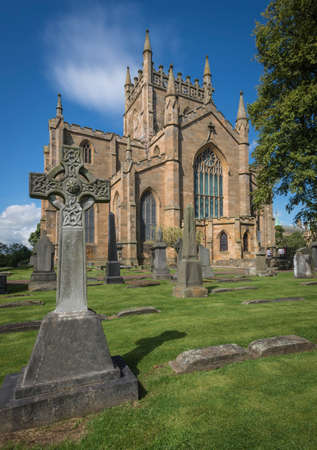graveyard and abbey of dunfermline