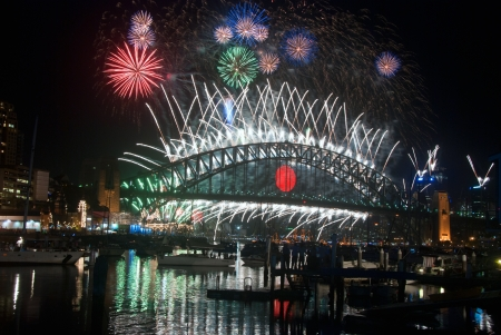 sydney harbour bridge: World Renown Sydney Harbour NYE Fireworks Display
