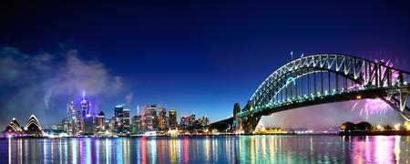 puente: Renombre Mundial del puerto de Sydney NYE Fuegos Artificiales Panorama