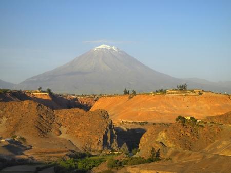 el: Misti volcano or El Misti. The stratovolcano near Arequipa city, Peru
