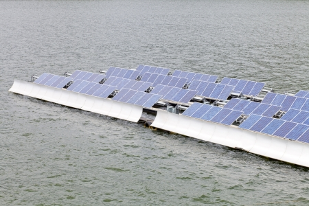 Floting Solar Energy Panels on a lake