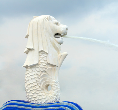 singapore city: Merlion statue, Singapore. It is a mythical creature with the head of a lion and the body of a fish and used to personify Singapore.