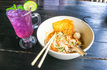 Noodles Tom Yam And herbal juice