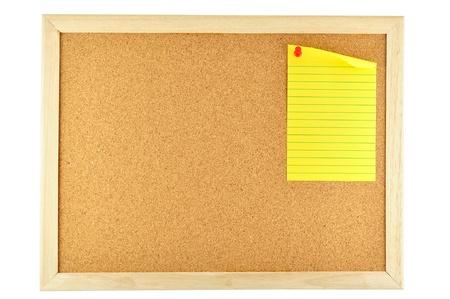 Gelbem Papier Haftnotiz auf Kork-Pinnwand merken Standard-Bild - 12198957