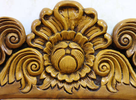 door leaf: The old beautiful flower sculpture by hard wood.