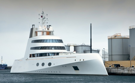 tropez: An early morning shot of a super luxury yacht refuelling in Gibraltar Stock Photo