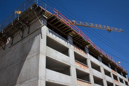 Neue Hälfte gebaut Konstruktion auf der Baustelle