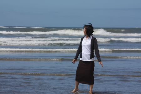 modest: modest model on the beach