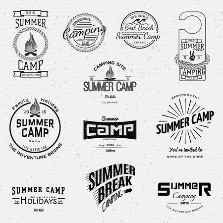 Le camp d'été badges logos et des étiquettes pour toute utilisation, sur un fond blanc. Banque d'images - 39240144