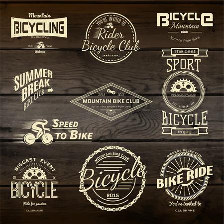 bicyclette: Mis v�los badges logos et des �tiquettes pour toute utilisation, isol� sur fond blanc.