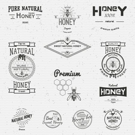 colmena: Miel insignias iconos y etiquetas para cualquier uso, sobre un fondo blanco