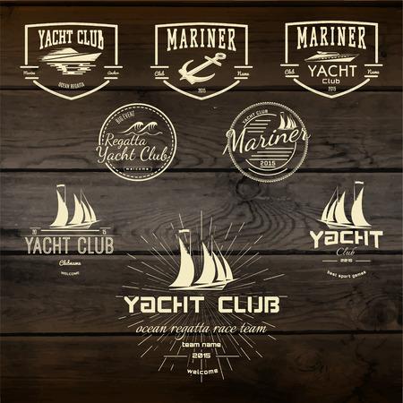 deportes nauticos: Yacht club insignias logotipos y etiquetas para cualquier uso. En madera de textura de fondo Vectores