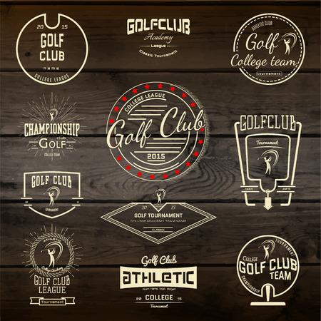 Club de golf badges étiquettes pour toute utilisation. Sur la texture bois Banque d'images - 41912511