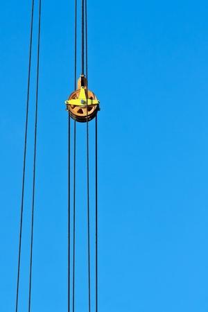 polea: Cables de acero y poleas de una gr�a
