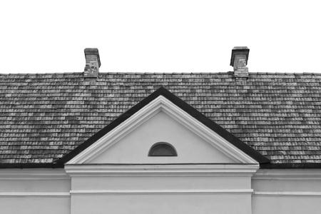 dormer: Mosaico techo con chimenea y dormer ventana Foto de archivo
