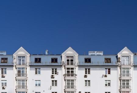 facade: Moderno edificio de apartamentos Foto de archivo