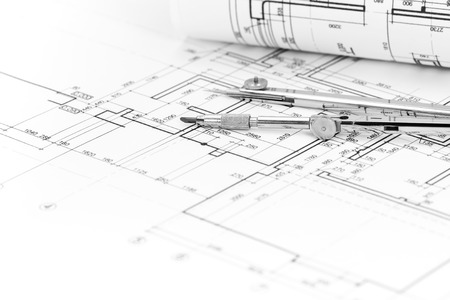 compas de dibujo: Fondo arquitectónico con el plan, rollo modelo y compás de dibujo