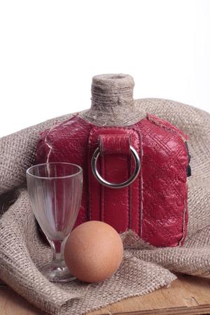 sacking: bottle on sacking