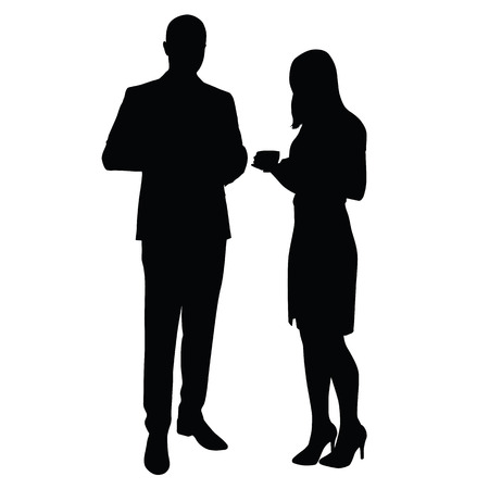Mann und Frau stehen und Kaffee zu trinken. Silhouetten. Pause, Zeit bei der Arbeit im Büro zu entspannen. Mann im Anzug, eine Frau in einem T-Shirt, Rock und Schuhe mit hohen Absätzen auf. Manager, Lehrer, Rechtsanwälte, Kaufleute, Geschäftspartner, Beamte