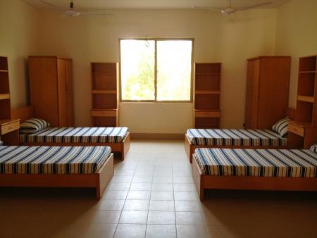 学生のための 4 つの層状共有部屋を空します。 写真素材