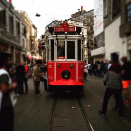 tunel: Tram taksim