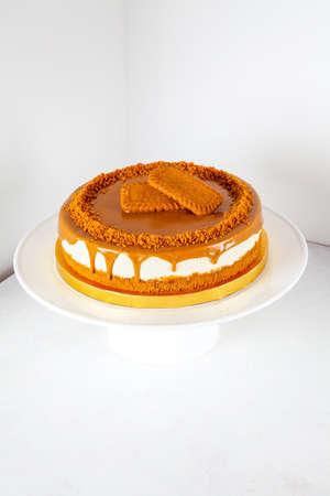 Caramel biscoff cheese cake with slice