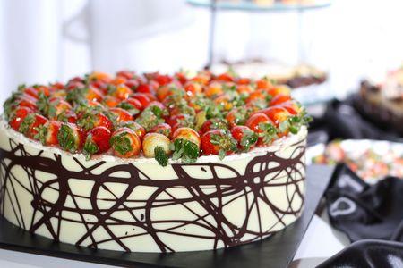 Ligne de chaque portion de desserts whit fraise