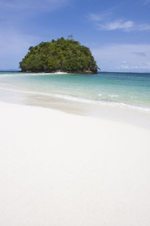 southern of thailand: Deserted beach, Tup Island, Southern Thailand