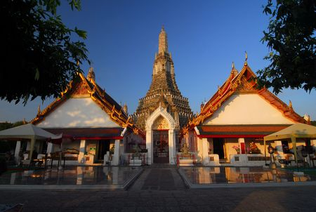 Wat Arun, the temple of dawn in Bankok Stock Photo