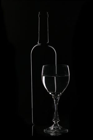 Wine  glasses and bottle contour