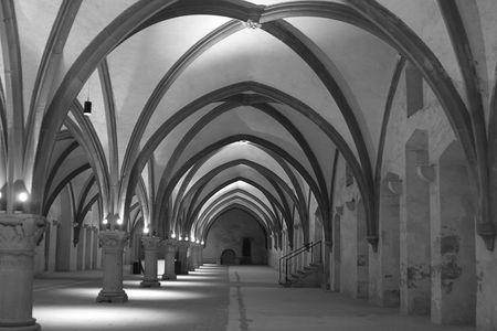 nightime: Interiour della vecchia abbazia, in Germania, Europa