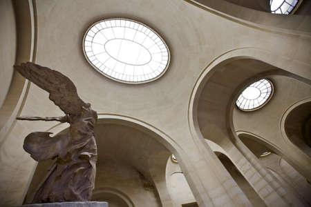nike: Nike of Samothrake Louvre Parise France