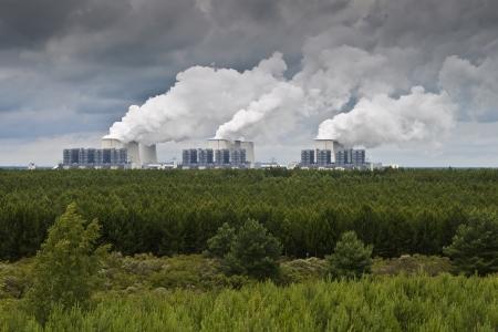 powerplants: Power plants emit smoke - smoking powerplants,
