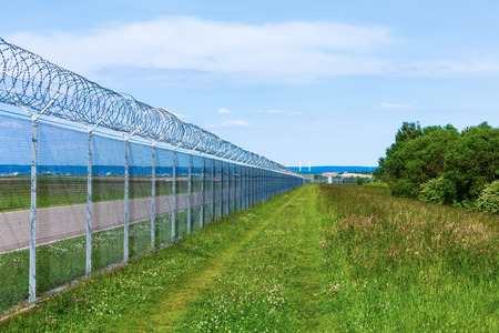 barbed wire fence: longe barbed wire fence