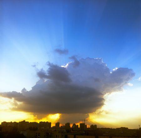 구름을 통해 맨 처음입니다.