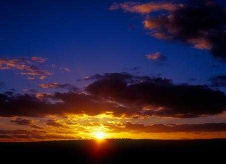 Beautiful sunset. Please see similar photos in my portfolio. Stock Photo - 9208784