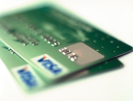 tarjeta de credito: Kiev, Ucrania - 14 de febrero de 2012: Un primer de la tarjeta de cr�dito UkrSibbank. 84,99% de las acciones pertenecen UkrSibbank Grupo BNP Paribas. Editorial