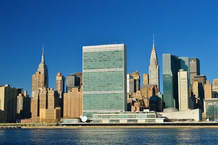 루즈 벨트 섬에서 미드 타운 맨해튼의 전망.