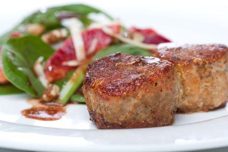 finocchio: Filetto di maiale con Spinaci Medallions, Blood Orange, e Finocchi Insalata
