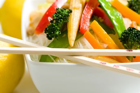 Stir Fry with Rice noodles and Vegetables Banque d'images