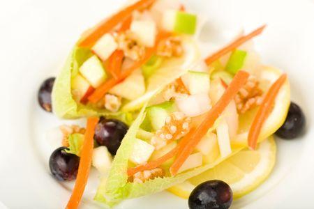 endivia: Ensalada de endivias con Apple, Zanahoria, y Walnut